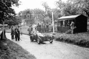Becke Powerplus. Peter Vaughan . Prescott Hillclimb  July 1939